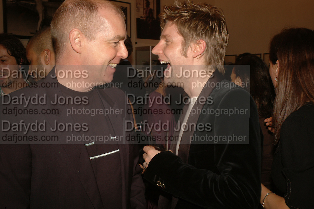 NEIL TENNANT AND CHRISTOPHER BAILEY, Opening of Photo-London, Burlington Gdns. London. 17 May 2006. ONE TIME USE ONLY - DO NOT ARCHIVE  © Copyright Photograph by Dafydd Jones 66 Stockwell Park Rd. London SW9 0DA Tel 020 7733 0108 www.dafjones.com