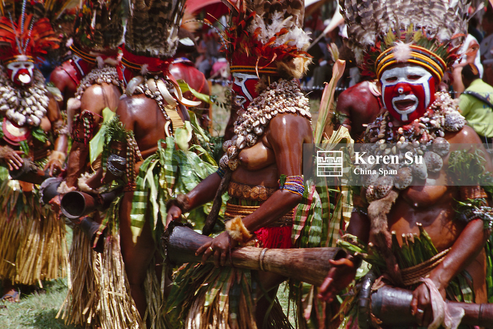 Highlands tribespeople performing at Sing Sing Festival, Mt. Hagen, Papua New Guinea
