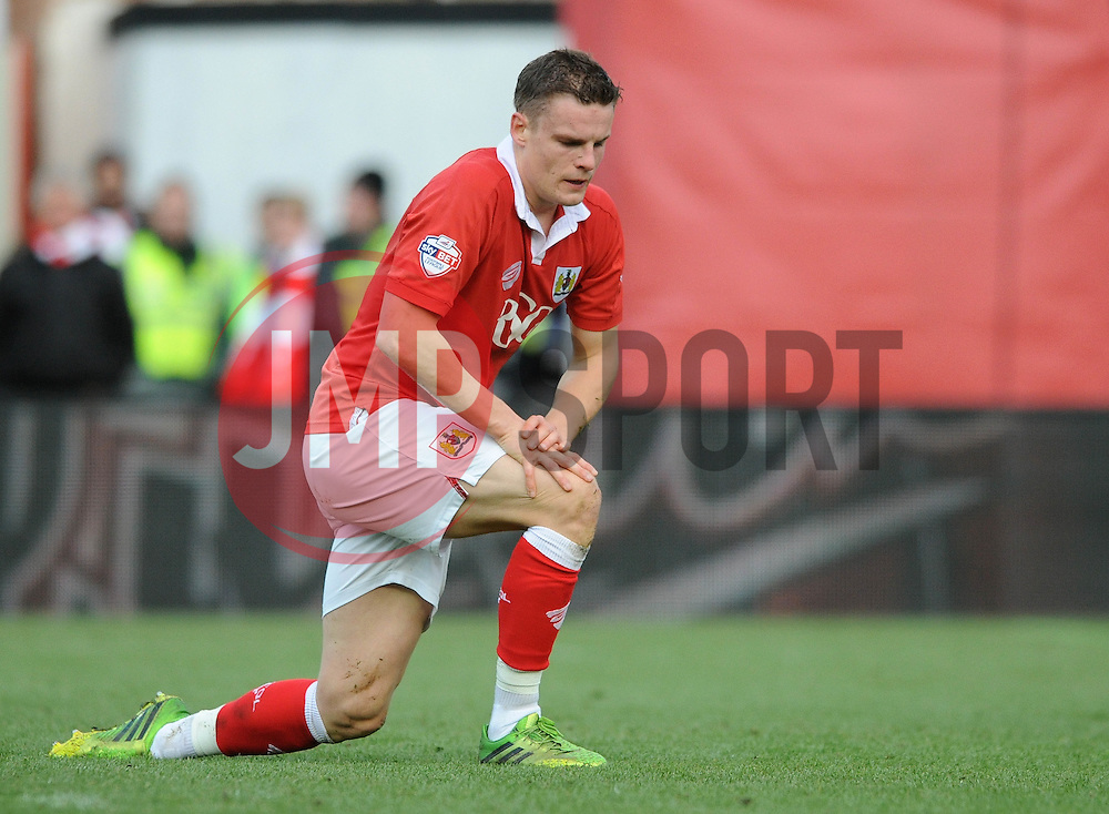 Bristol City's Matt Smith cuts a dejected figure after missing a chane  - Photo mandatory by-line: Dougie Allward/JMP - Mobile: 07966 386802 - 25/01/2015 - SPORT - Football - Bristol - Ashton Gate - Bristol City v West Ham United - FA Cup Fourth Round