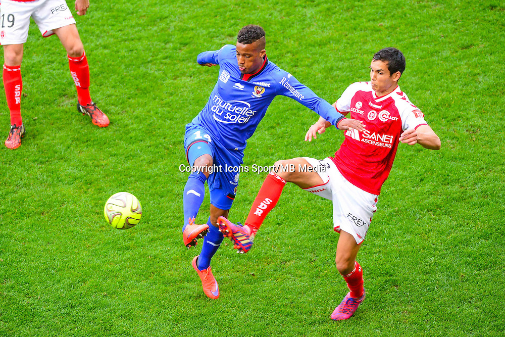 Alassane PLEA / Aissa MANDI - 12.04.2015 - Reims / Nice - 32eme journee de Ligue 1 <br />