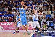 DESCRIZIONE : Beko Legabasket Serie A 2015- 2016 Dinamo Banco di Sardegna Sassari -Vanoli Cremona<br /> GIOCATORE : Raphael Gaspardo<br /> CATEGORIA : Tiro Tre Punti Three Point Controcampo Ritardo<br /> SQUADRA : Vanoli Cremona<br /> EVENTO : Beko Legabasket Serie A 2015-2016<br /> GARA : Dinamo Banco di Sardegna Sassari - Vanoli Cremona<br /> DATA : 04/10/2015<br /> SPORT : Pallacanestro <br /> AUTORE : Agenzia Ciamillo-Castoria/L.Canu