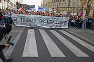 The manifestation against the cuts of the educational system in madrid was a pacific .Los students shouted slogans in against the new government. But they were not alone. Teachers and parents walked together with them. The police were monitoring for if there were disturbances, but they did not take place in the whole march.
