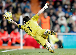 10.12.2011, Santiago Bernabeu Stadion, Madrid, ESP, Primera Division, Real Madrid vs FC Barcelona, 15. Spieltag, im Bild Real Madrid's Iker Casillas // during the football match of spanish 'primera divison' league, 15th round, between Real Madrid and FC Barcelona at Santiago Bernabeu stadium, Madrid, Spain on 2011/12/10. EXPA Pictures © 2011, PhotoCredit: EXPA/ Alterphotos/ Alvaro Hernandez..***** ATTENTION - OUT OF ESP and SUI *****