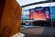 UTRECHT - <br /> 'IS wil aanslag plegen in stadion FC Utrecht' Islamitische Staat (IS) heeft lone wolves, terroristen die alleen werken, opgeroepen een aanslag te plegen tijdens het naderende Europees Kampioenschap voetbal voor vrouwen in Stadion Galgenwaard in Utrecht. Zo blijkt uit een oproep op een pro-IS-kanaal op de chatapp Telegram, zo meldt terreurwatcher SITE Intelligence Group. Het gaat om de wedstrijd tussen Engeland en Schotland op 19 juli. <br />  Exterieur van stadion Galgenwaard. Op een chatkanaal van terreurgroep IS is een oproep geplaatst om een aanslag in het stadion te plegen tijdens het EK voetbal voor vrouwen. ROBIN UTRECHT