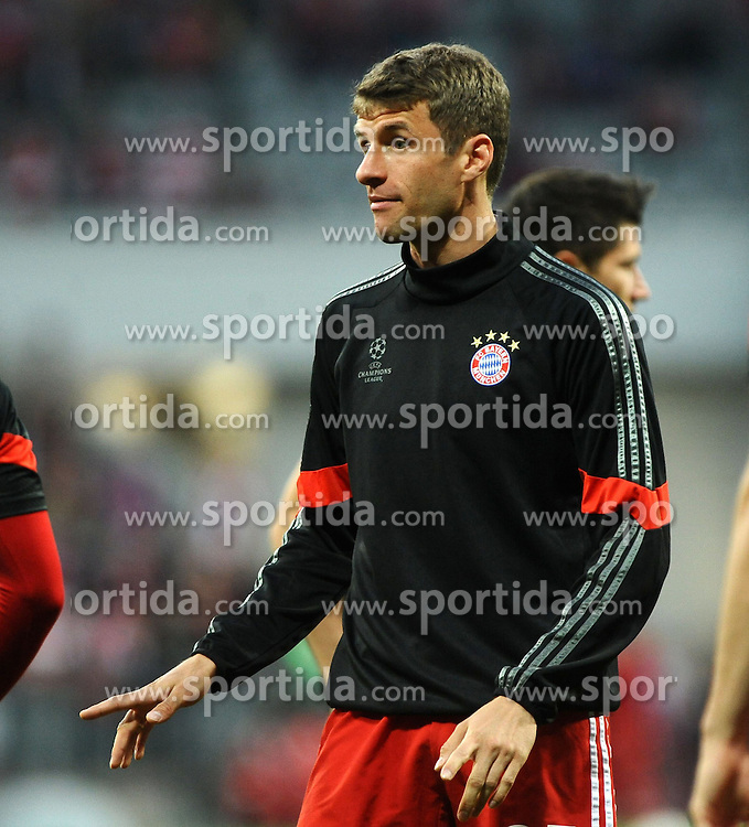 21.04.2015, Allianz Arena, Muenchen, GER, UEFA CL, FC Bayern Muenchen vs FC Porto, im Bild Thomas Mueller (FC Bayern Muenchen) motiviert seine Mitspieler vor Spielbeginn.<br /> FC Bayern Muenchen - FC Porto, Fussball, Champions League, Viertelfinale, Rueckspiel, 21.04.2015, Foto: Stuetzle/Eibner // during the UEFA Semi Final 2nd Leg Match between FC Bayern Munich and FC Porto at the Allianz Arena in Muenchen, Germany on 2015/04/21. EXPA Pictures &copy; 2015, PhotoCredit: EXPA/ Eibner-Pressefoto/ Stuetzle<br /> <br /> *****ATTENTION - OUT of GER*****