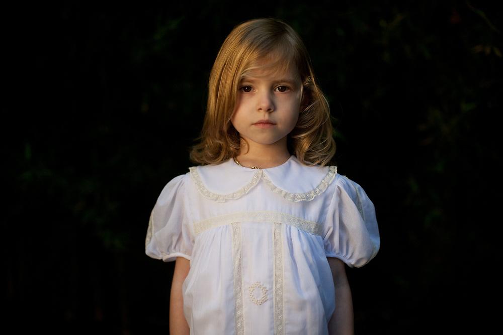 11-1-09---Elizabeth Anyaa for F!D Luxe.