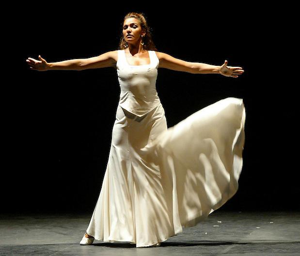 TEMA: FESTIVAL DE PERALADA: YERMA, MATER DE SALVADOR TE?VORA..LLOC: PERALADA..DATA: 19/08/05..FOTO: CLICK ART FOTO.