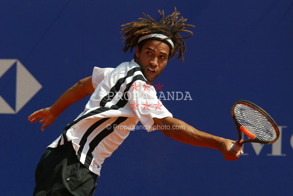 MONTE-CARLO, MONACO - Tuesday, April 15, 2003: James Blake (USA) in action during the 1st Round of the Tennis Masters Monte-Carlo. (Pic by David Rawcliffe/Propaganda)