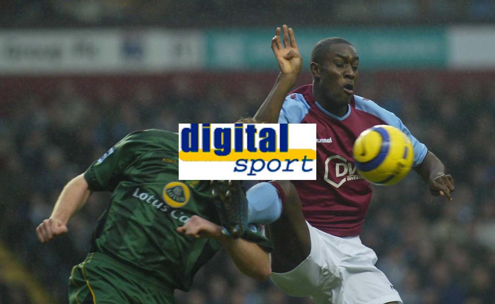 Fotball<br /> England 2004/22005<br /> Foto: SBI/Digitalsport<br /> NORWAY ONLY<br /> <br /> 15/01/2005<br /> <br /> ASTON VILLA V NORWICH CITY<br /> <br /> NORWICH'S DOHERTY AND VILLA'S COLE