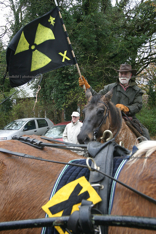 Horsemen protest against a castor transport to Gorleben.