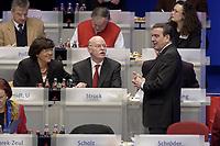 17 NOV 2003, BOCHUM/GERMANY:<br /> Ulla Schmidt, SPD, Bundesgesundheitsministerin, Peter Struck, SPD, Bundesverteidigungsminister und Gerhard Schroeder, SPD, Bundeskanzler, (v.L.n.R.), im Gespraech, SPD Bundesparteitag, Ruhr-Congress-Zentrum<br /> IMAGE: 20031117-01-048<br /> KEYWORDS: Parteitag, party congress, SPD-Bundesparteitag, Gespraech,