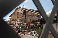 Saletta, 13/04/2017: immagine di una vittima su una casa danneggiata dal terremoto.<br /> &copy; Andrea Sabbadini