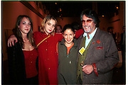 Poppy de villeneuve, daisy de Villeneuve, Melanie de villeneuve, Justin de villeneuveBaby 2000 preview. Atlantis Gallery, Brick Lane. London. 11/2/99. © Copyright Photograph by Dafydd Jones 66 Stockwell Park Rd. London SW9 0DA Tel 020 7733 0108 www.dafjones.com