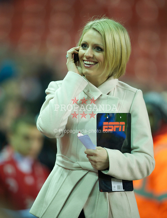 LIVERPOOL, ENGLAND - Monday, March 15, 2010: ESPN Sports News presenter Rebecca Lowe before the Premiership match at Anfield. (Photo by: David Rawcliffe/Propaganda)