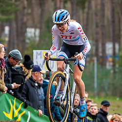 26-12-2019: Cycling: CX Worldcup: Heusden-Zolder: Yara Kastelijn fighting for on an uphill section