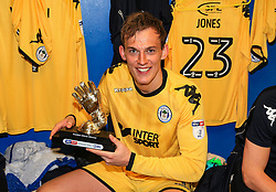 Free to use courtesy of Sky Bet - Wigan Athletic's Christian Walton celebrates with the Sky Bet League One Golden Glove award - Mandatory by-line: Matt McNulty/JMP - 05/05/2018 - FOOTBALL - The Keepmoat Stadium - Doncaster, England - Doncaster Rovers v Wigan Athletic - Sky Bet League One