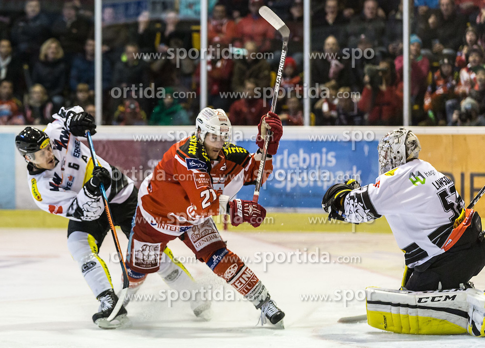 03.03.2015, Stadthalle, Klagenfurt, AUT, EBEL, EC KAC vs Dornbirner Eishockey Club, Qualifikationsrunde, im Bild Jonathan D'Aversa (Dornbirner Eishockey Club, #), Manuel Geier (EC KAC, #21), Nathan Lawson (Dornbirner Eishockey Club, #52) // during the Erste Bank Icehockey League qualification round match betweeen EC KAC and Dornbirner Eishockey Club at the City Hall in Klagenfurt, Austria on 2015/03/03. EXPA Pictures © 2015, PhotoCredit: EXPA/ Gert Steinthaler