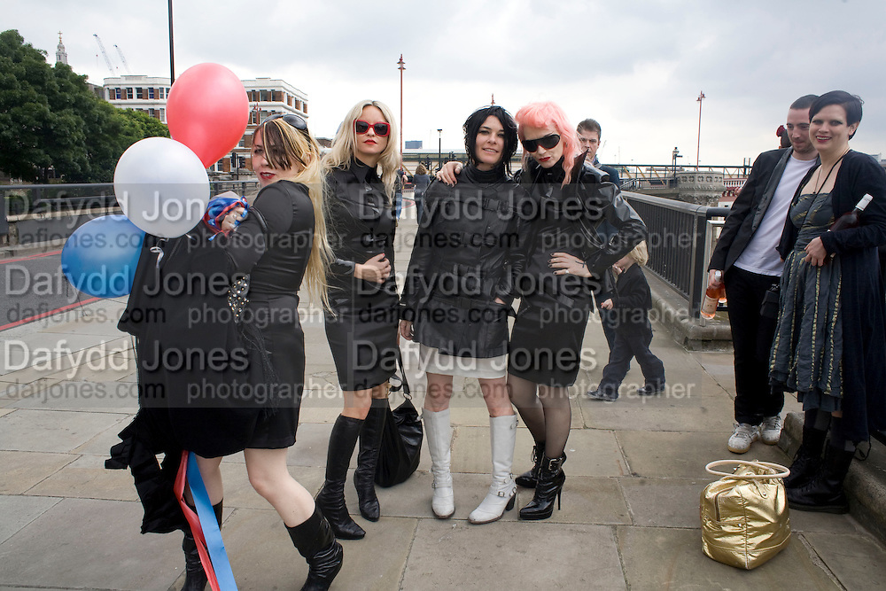 SUE WEBSTER AND HER MAIDS OF DISHONOUR, Marriage of Tim Noble and Sue Webster conducted by Tracey Emin. Queen Elizabeth. Thames. London. 7 June 2008 *** Local Caption *** -DO NOT ARCHIVE-© Copyright Photograph by Dafydd Jones. 248 Clapham Rd. London SW9 0PZ. Tel 0207 820 0771. www.dafjones.com.