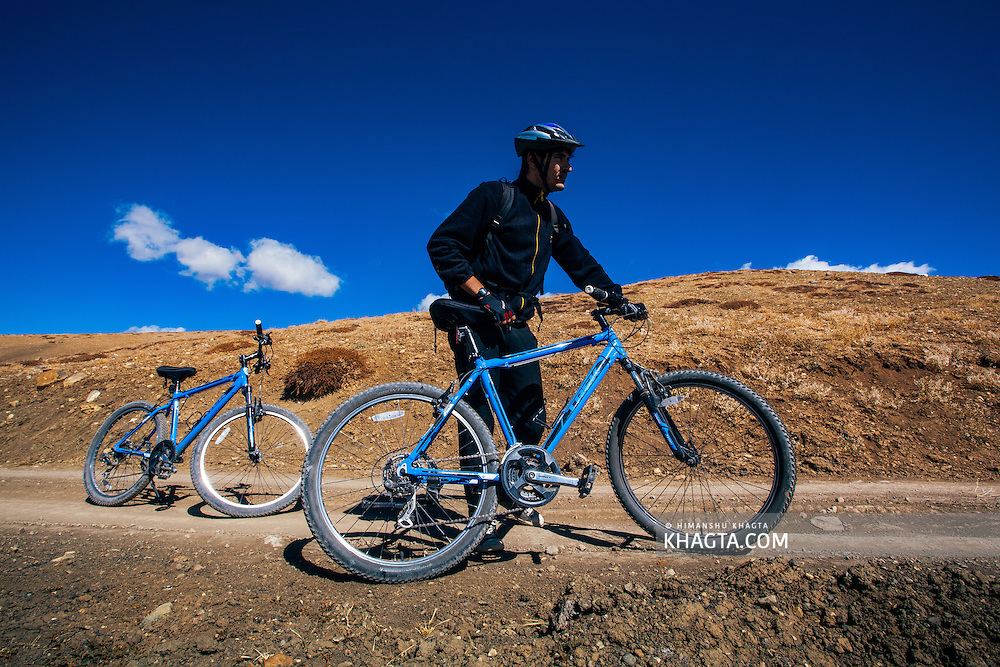 Mountain biking in the Spiti valley of Himachal Pradesh, India