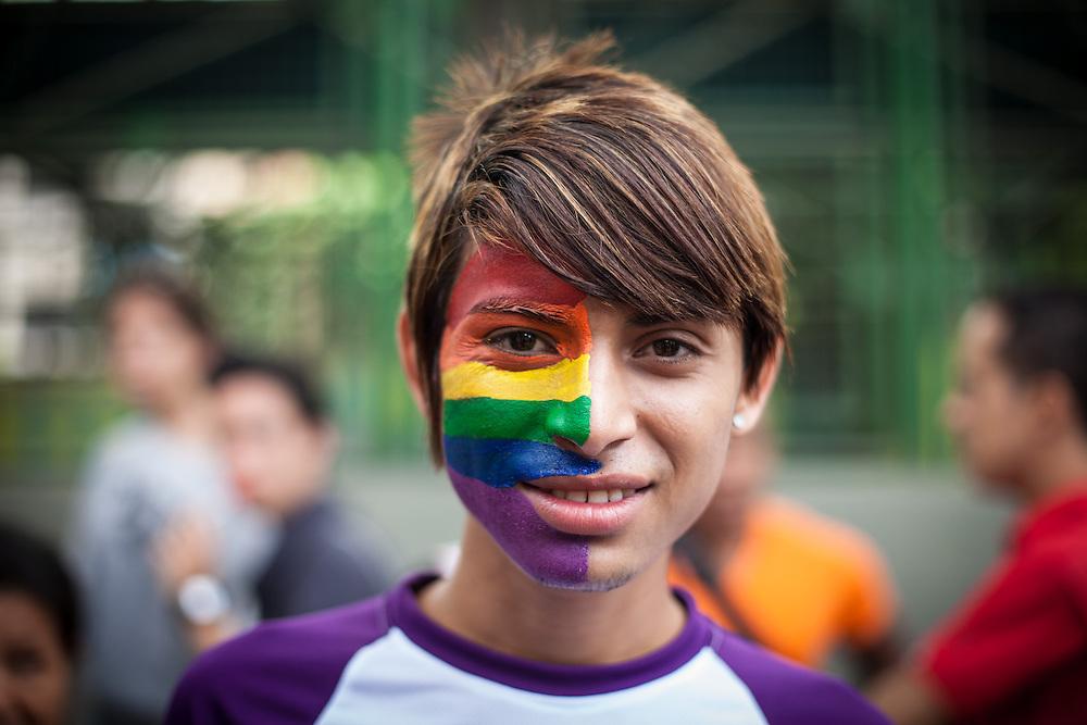 Lesbianas, gays, bisexuales, transexuales e intersexuales marcharon por el día del Orgullo Gay. Caracas, 30 Junio 2013. (Ivan Gonzalez)