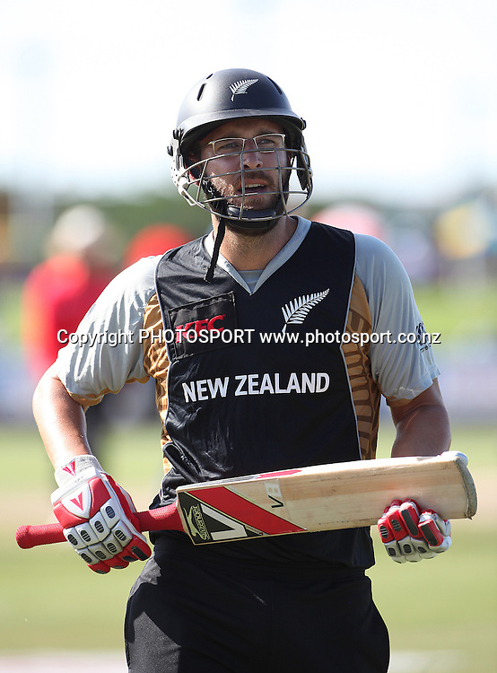 DL Vettori. New Zealand Black Caps v Sri Lanka, international exhibition Twenty 20 cricket match, Central Broward Regional Park, Florida, United States of America. 22 May 2010. Photo: Barry Bland/PHOTOSPORT
