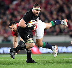 Keiran Read of New Zealand slips the tackle of Ben Te'o of the Lions in the third International rugby test match between the the New Zealand All Blacks and British and Irish Lions at Eden Park, Auckland, New Zealand, Saturday, July 08, 2017. Credit:SNPA / Ross Setford  **NO ARCHIVING""