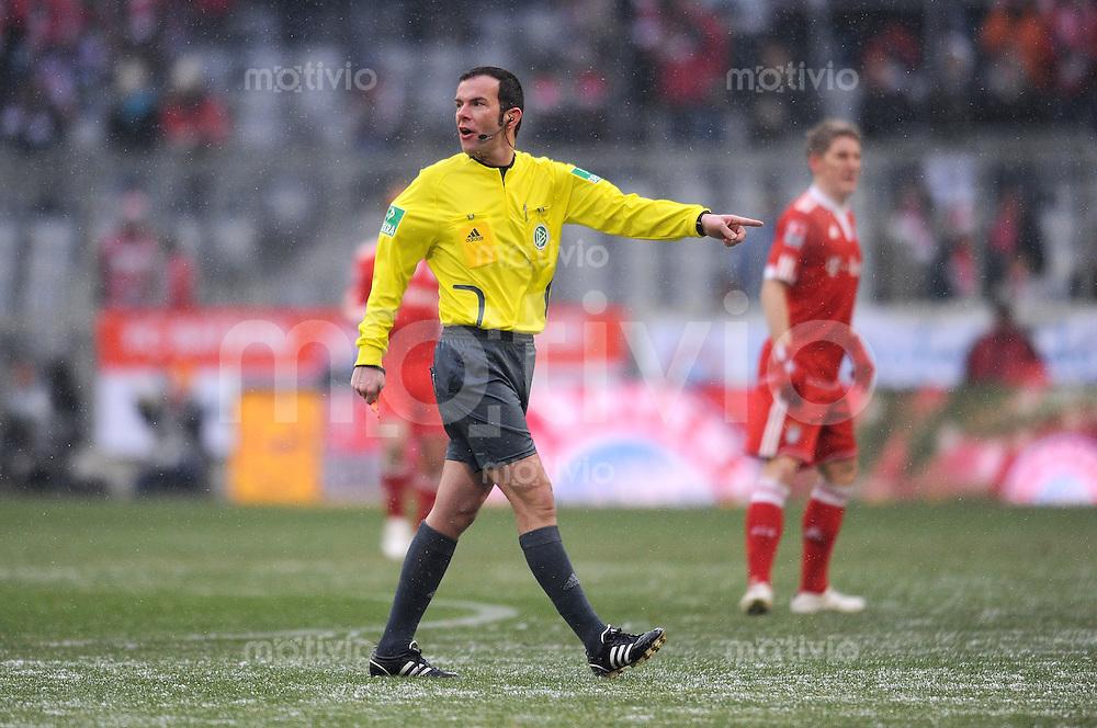 Fussball 1. Bundesliga :  Saison   2009/2010   17. Spieltag  19.12.2009 FC Bayern Muenchen - Hertha BSC Berlin ,  Schiri Marco Fritz
