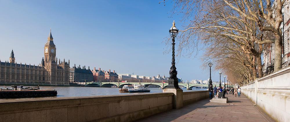 Big Ben from walkway across the river