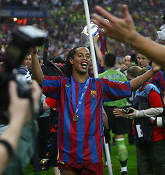 PARIS, FRANCE - WEDNESDAY, MAY 17th, 2006: FC Barcelona's Ronaldinho celebrates winning the European Cup after beating Arsenal during the UEFA Champions League Final at the Stade de France. (Pic by David Rawcliffe/Propaganda)
