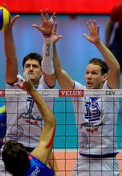 20-09-2013 VOLLEYBAL: EK MANNEN SERVIE - SLOVENIE: HERNING<br /> (L-R) Matevz Kamnik, Tine Urnaut<br /> &copy;2013-FotoHoogendoorn.nl