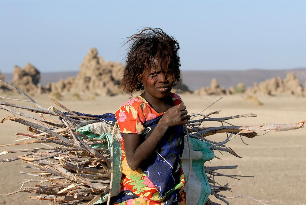 Afarbedouin girl, Lake Abbe,Djibouti
