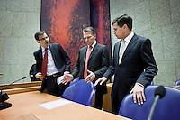 Nederland. Den Haag, 25 maart 2009.<br /> Rouvoet, Bos en balkenende leggen in de Tweede Kamer een verklaring af n.a.v. het gesloten akkoord. De top van het kabinet en de sociale partners hebben gisteravond laat een principe-akkoord gesloten. Coalitieberaad, crisisakkoord<br /> Foto Martijn Beekman