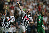 Photo: Lee Earle.<br /> West Bromwich Albion v Hull City. Coca Cola Championship. 05/08/2006. Albion's John Hartson  celebrates after scoring their opening goal.