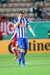 25.09.2013, Fritz-Walter-Stadion, Kaiserslautern, GER, DFB Pokal, 1. FC Kaiserslautern vs Hertha BSC Berlin, 2. Runde, im Bild Peter Niemeyer (Hertha BSC Berlin), enttaeuscht, traurig, Emotionen, // during German DFB Pokal Match between 1. FC Kaiserslautern and Hertha BSC Berlin at the Fritz-Walter-Stadium, Kaiserslautern, Germany on 2013/09/25. EXPA Pictures © 2013, PhotoCredit: EXPA/ Eibner/ Alexander Neis<br /> <br /> ***** ATTENTION - OUT OF GER *****
