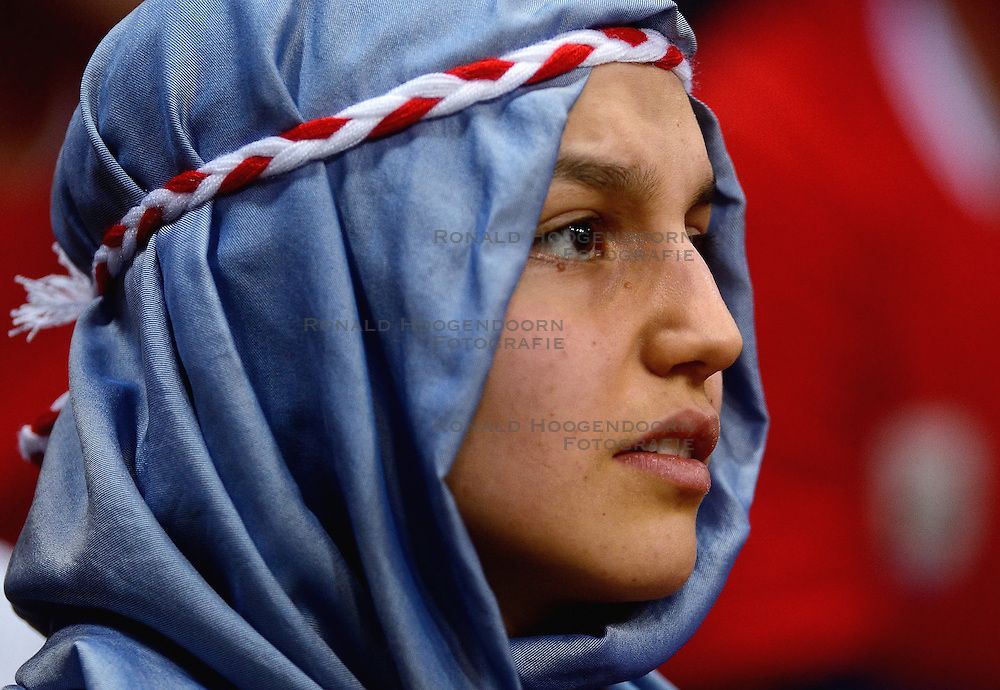 09-01-2016 TUR: European Olympic Qualification Tournament Turkije - Italie, Ankara<br /> De strijd om de tweede Japan ticket wordt gewonnen door Italie. Turkije verliest in de 5de set met 13-15 / Teleurgesteld Turks publiek. De droom naar Rio is voorbij