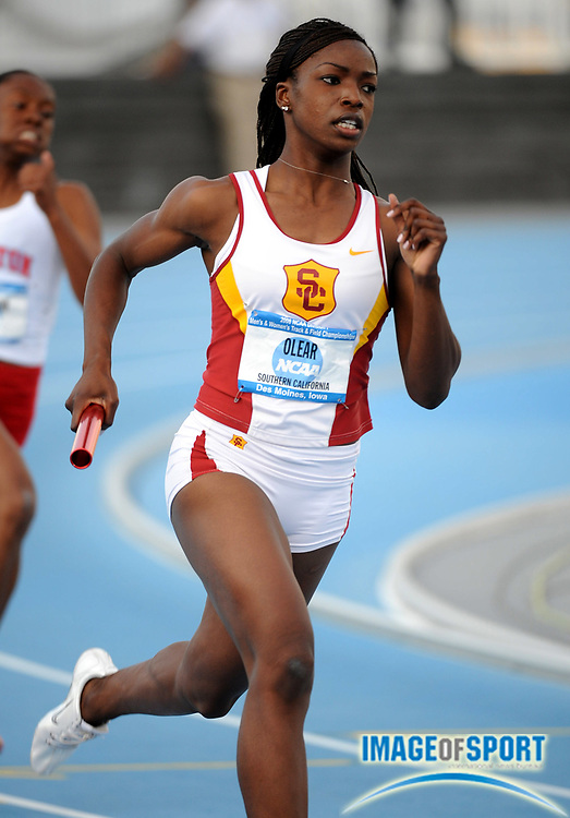 Jun 12, 2008; Des Moines, IA; Elizabeth Olear runs the first leg on Southern California women's 4 x 400m relay that placed fourth in its heat in 3:35.96 in the NCAA Track & Field Championships at Drake Stadium