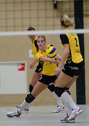 25-10-2014 NED: Prima Donna Kaas Huizen - SV Dynamo Apeldoorn, Huizen<br /> Apeldoorn pakt de drie punten door Huizen met 3-0 te verslaan / Carlijn Oosterlaken