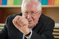 22 AUG 2014, BERLIN/GERMANY:<br /> Bernhard Vogel, CDU, Ministerpraesident von Thueringen und Rheinland-Pfalz a.D., waehrend einem Interview, Konrad-Adenauer-Stiftung<br /> IMAGE: 20140822-01-017