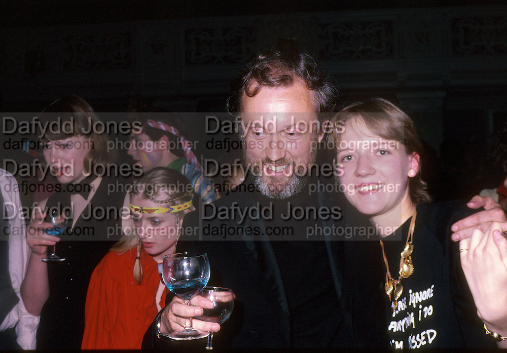 David Kirke and Rosie Pearson. Piers Gaveston party. Oxford Town Hall. 1981 approx.  © Copyright Photograph by Dafydd Jones 66 Stockwell Park Rd. London SW9 0DA Tel 020 7733 0108 www.dafjones.com