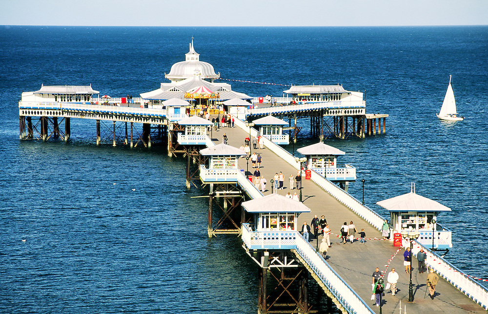 Llandudno Pier. Victorian seaside architecture built 1871 on North Beach of holiday resort of Llandudno, Gwynedd, north Wales, UK