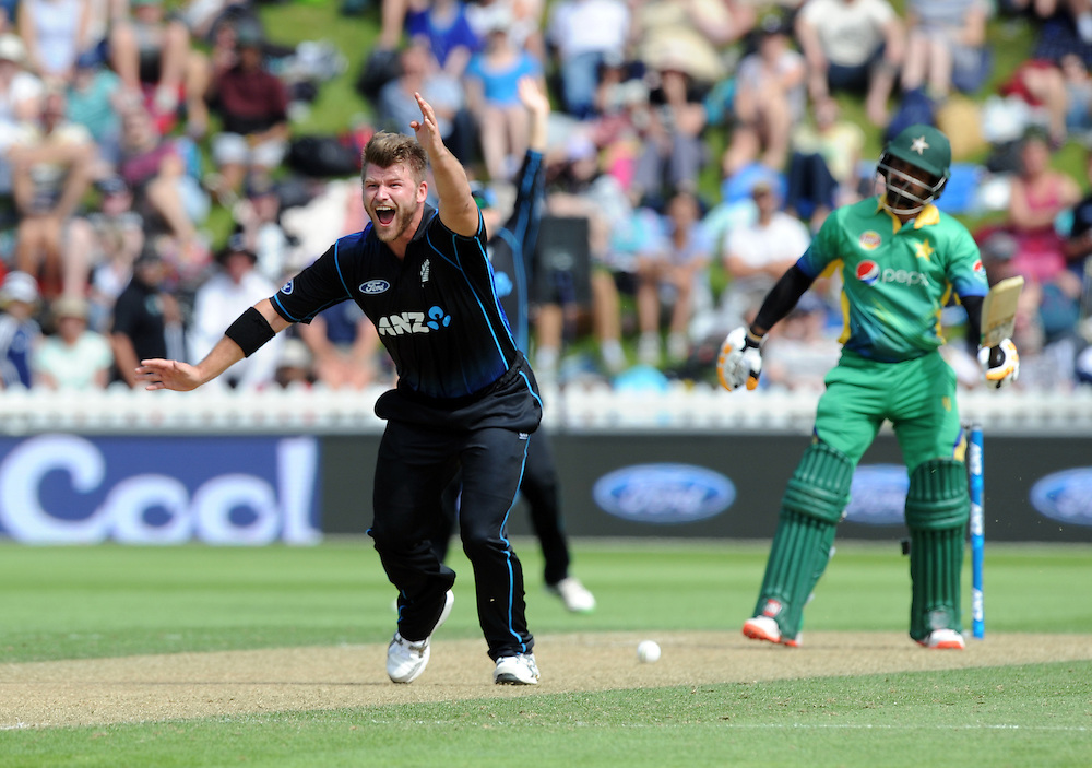 New Zealand's Corey Anderson makes an unsuccessful appeal for the wicket of Pakistan's Babar Azam in the 1st ODI International Cricket match at Basin Reserve, Wellington, New Zealand, Monday, January 25, 2016. Credit:SNPA / Ross Setford