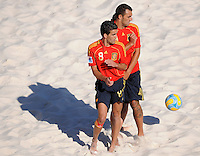 FIFA BEACH SOCCER WORLD CUP 2008 SPAIN - JAPAN   22.07.2008 Javi ALVAREZ (front) and Christian TORRES (ESP) see the ball approaching.