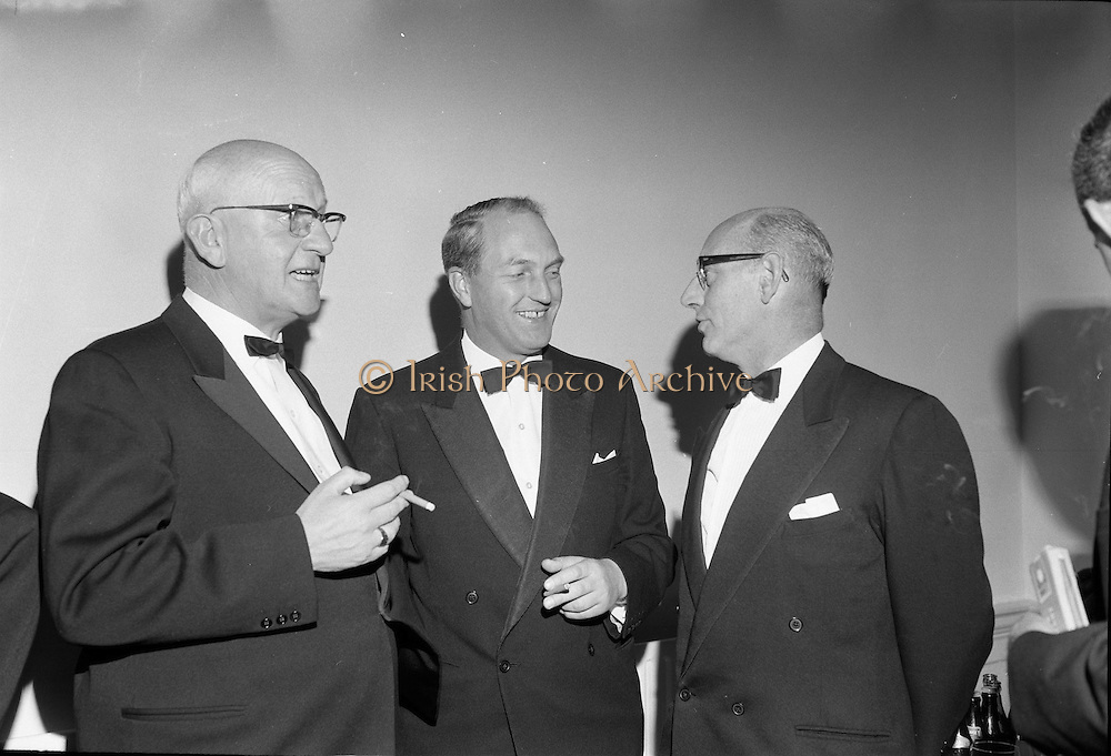 20/09/1967<br /> 09/20/1967<br /> 20 September 1967<br /> International SPAR dinner at the Shelbourne Hotel, Dublin. Picture shows (l-r): Mr Henri Holland, President, Spar International; Mr George Colley, Minister for Industry and Commerce and Mr D.A. O'Connell, Chairman SPAR (Ireland) Limited, at the event.