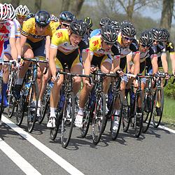 61e Ronde van Overijssel Team 3M probeert de koers te controleren richting de Tankenberg