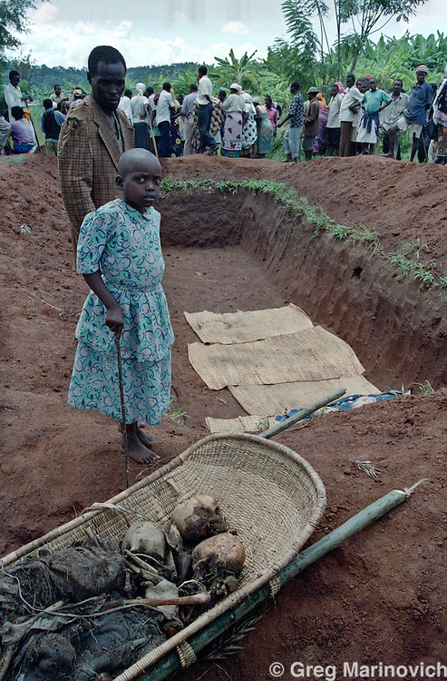 1995 May 9, Gatonde. the reburial of genocide victims. Greg Marinovich.
