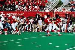 September 22, 2001:  Illinois State Redbirds Football, Willie Watts gets handoff from Kevin Zouzounis..This image was scanned from a print.  Image quality may vary.  Dust and other unwanted artifacts may exist.