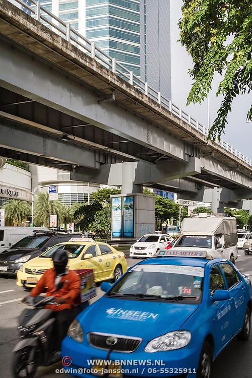 THA/Bangkok/201607111 - Vakantie Thailand 2016 Bangkok, Verkeer in Bangkok