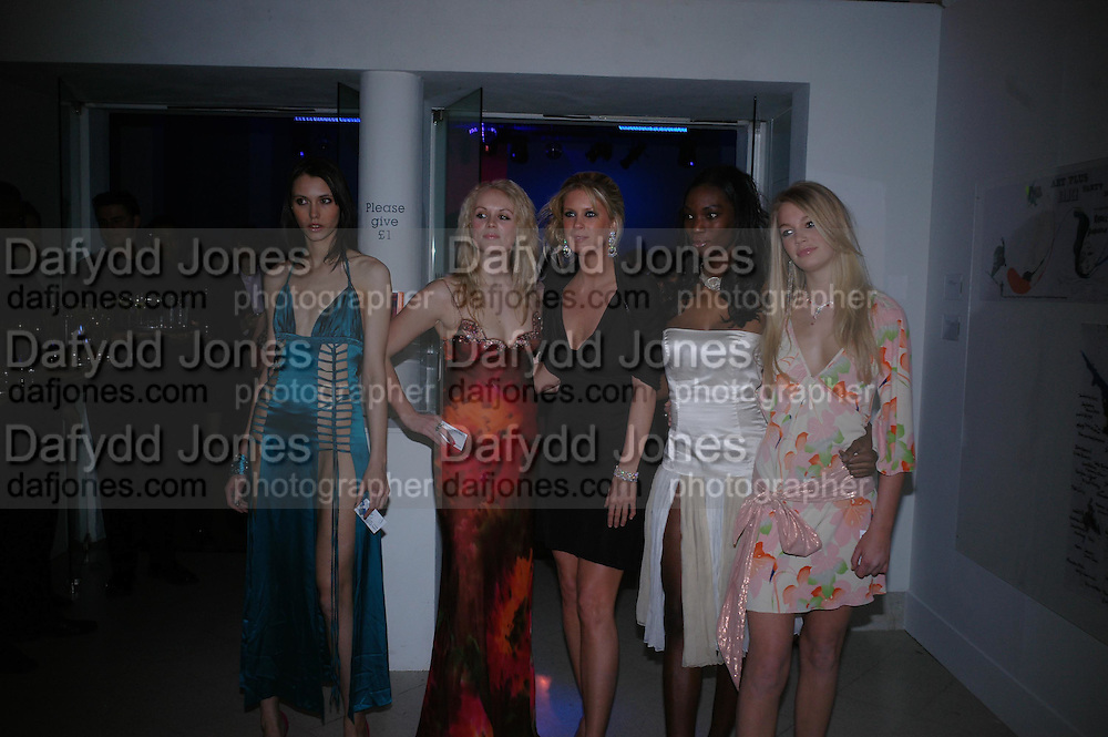 Emily Mann, Joanna Downes, Rachel Hunter, Antoinette Williams and Sam Rowley. Art Plus dance fundraising party. Whitechapel gallery. 21 March 2005. ONE TIME USE ONLY - DO NOT ARCHIVE  © Copyright Photograph by Dafydd Jones 66 Stockwell Park Rd. London SW9 0DA Tel 020 7733 0108 www.dafjones.com
