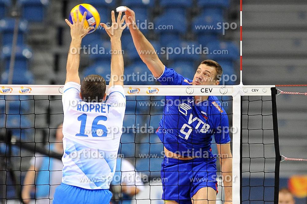 Tine Urnaut, Yury Berezhko during the European Championship game Russia - Slovenia on August 26, 2017 in Krakow, Poland. (Photo by Krzysztof Porebski / Press Focus)