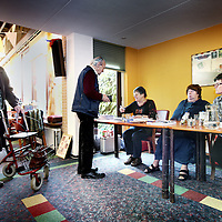 Nederland, Winkel , 23 november 2011..Stembureau in bejaardenhuis in Winkel in het kader van fusiegemeente holland kroon.Foto:Jean-Pierre Jans